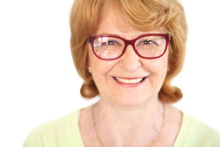 Brille muss gut gereinigt und ausgerichtet sein. Sie sollte nicht herunterrutschen und darf nicht schief sitzen.
